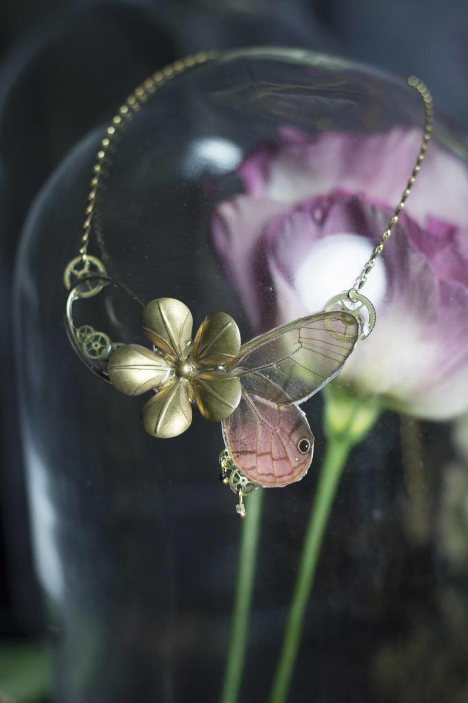 Collier véritables ailes de papillon - Real butterfly wings jewel Cithaerias
